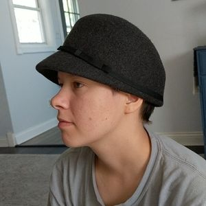 Women's Wool Hat Excellent Condition